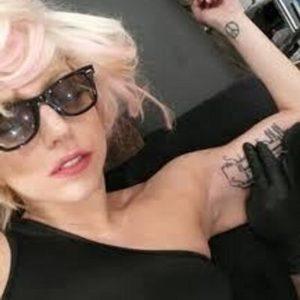 lady gaga hand, lady gaga wrist tattoo